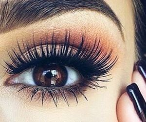 Forget Fake Lashes - What South Carolina Females Do Instead