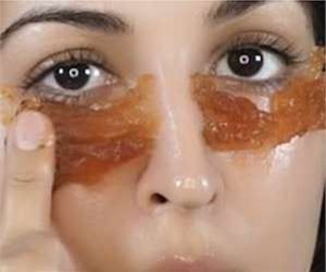 1 Simple Trick Removes Eye Bags & Lip Lines in Seconds